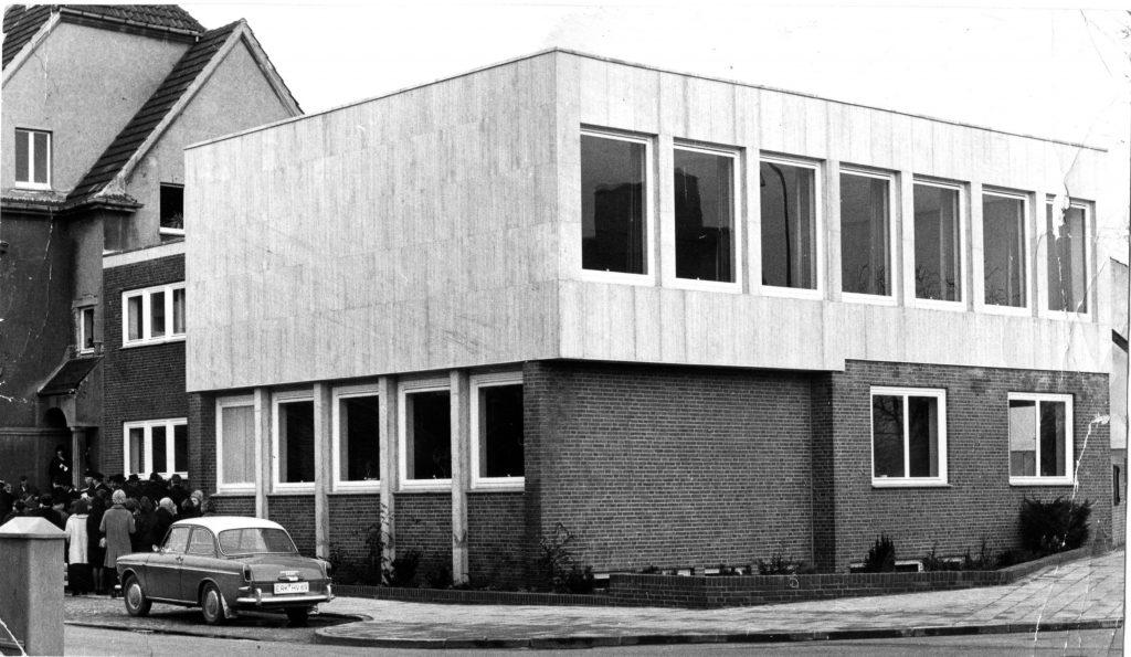Erstes Gemeindehaus