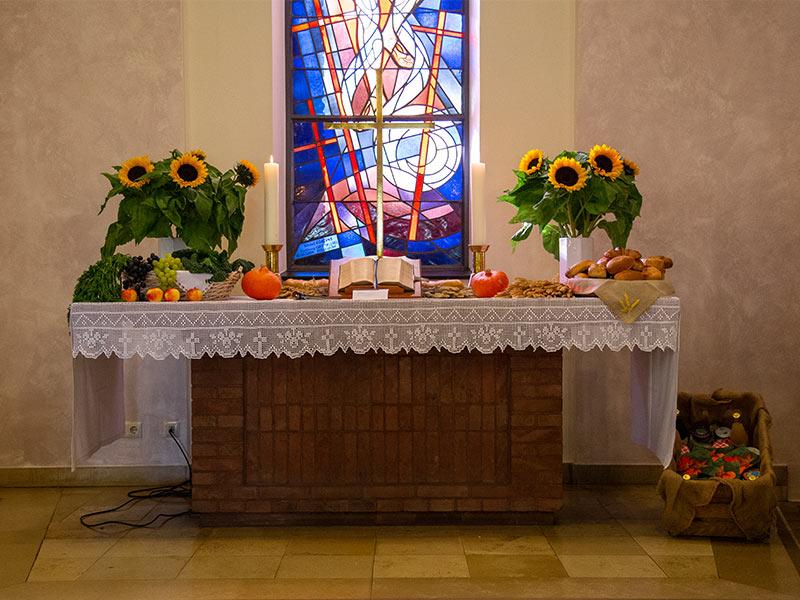 Einweihung der neuen Kirchenfenster